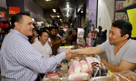 Mercados Lucas de Gálvez y San Benito, con servicio de agua potable