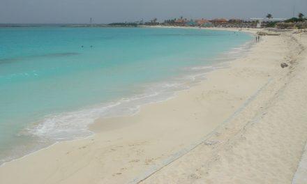 Extienden cierre de hoteles en Cancún y zonas turísticas aledañas