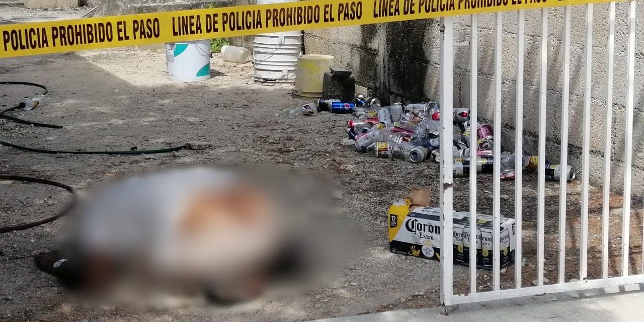 """Muere junto a su """"six"""" de cervezas, en la puerta de su casa (Vídeo)"""