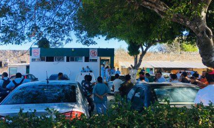 Trabajadores de IMSS en Umán paran labores; exigen protección básica