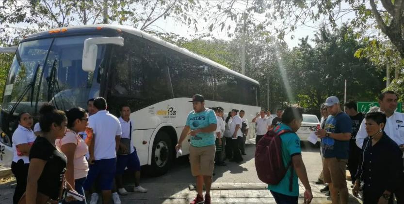 Intenta Quintana Roo frenar despidos por colapso de turismo