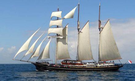 Reciben en puerto Progreso a velero con 50 alumnos a bordo