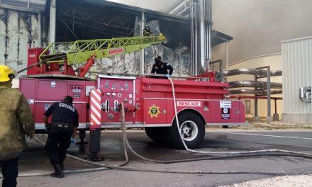 Impresionante incendio daña planta de Kekén al oriente de Mérida (Video)