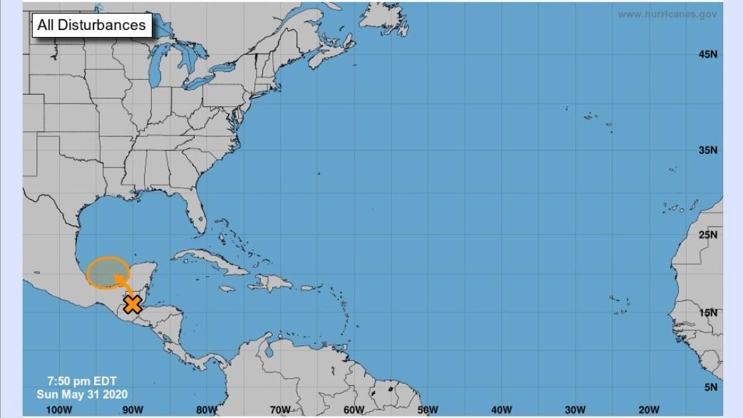 """Vigilan remanentes de """"Amanda"""" en ruta al mar de Campeche"""