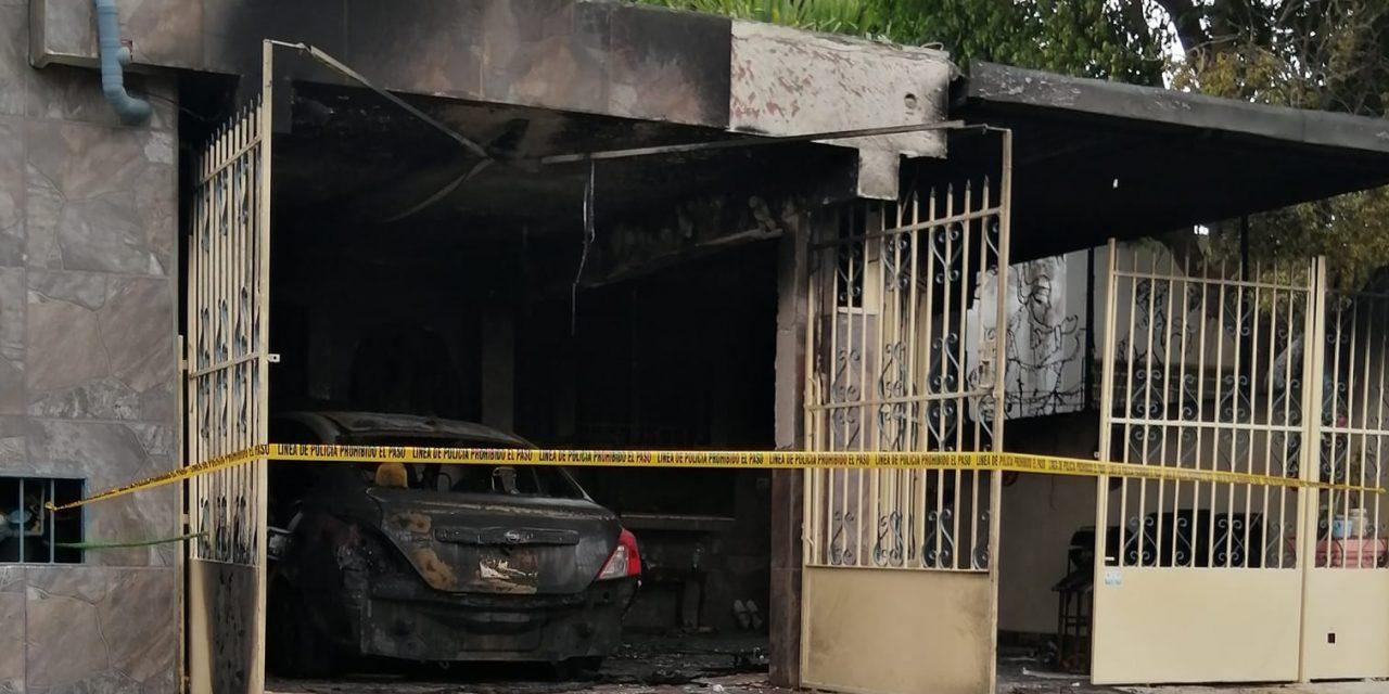 Incendian casa y vehículo de enfermera en Mérida