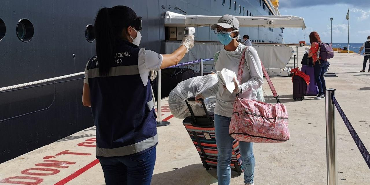 Segunda repatriación de mexicanos, tripulantes de crucero, en Cozumel