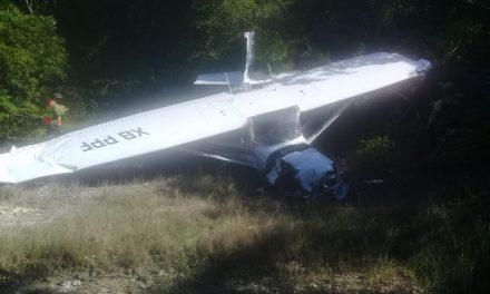 Se desploma avioneta cerca de Aeropuerto Cancún; lesionados no graves