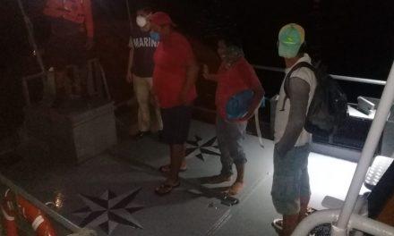 Rescatados tres pescadores al noroeste de puerto Progreso