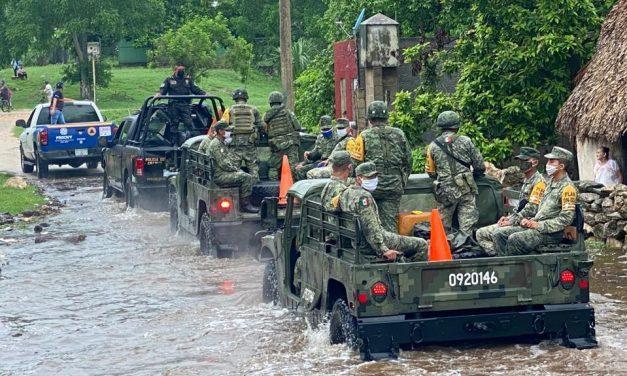 """Militares auxilian a yucatecos por Tormenta Tropical """"Cristóbal"""""""