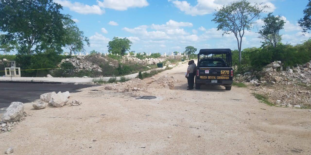 Hallan cuerpo de mujer sin vida en vía pública de Ciudad Caucel