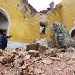 Caen paredes y techo de anexo en templo católico de Tekantó