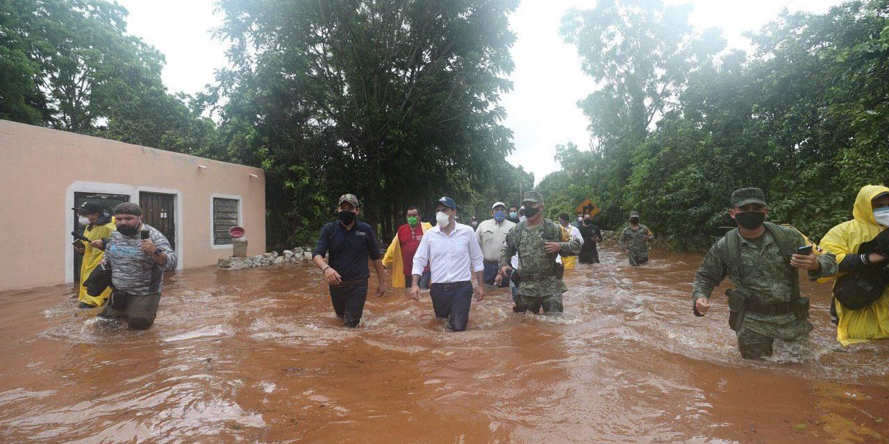"Se aleja ""Cristóbal"", pero deja desastre en Yucatán y familias atrapadas"