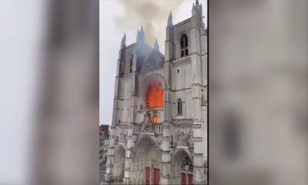 Incendio en catedral de Nantes, joya europea, hizo recordar Notre Dame