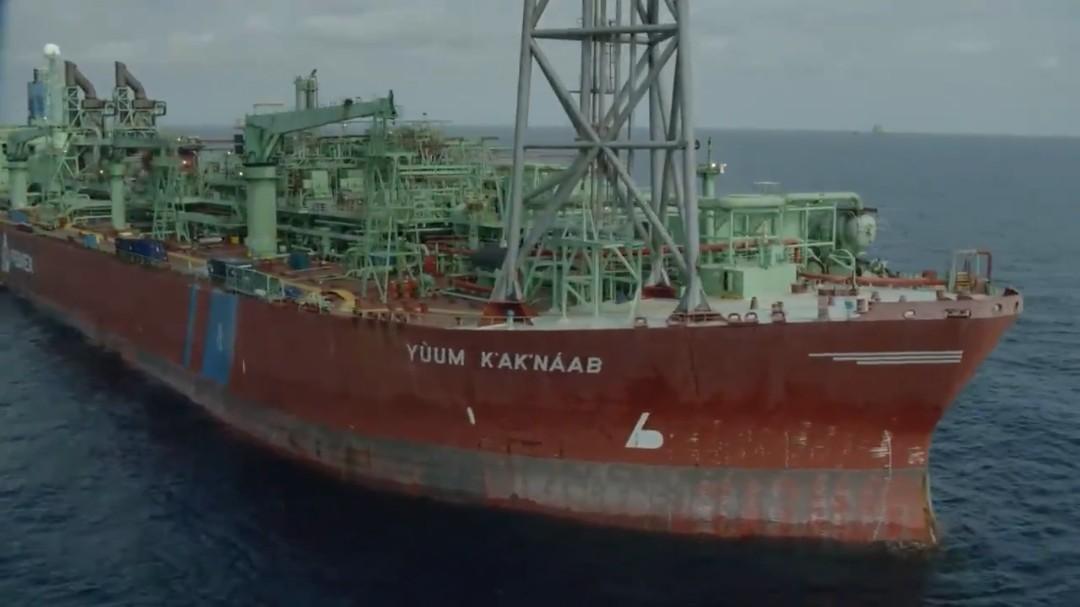Choque de buques tanque en Sonda de Campeche paraliza producción