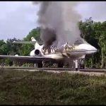 """""""Narcoavioneta"""" aterriza de emergencia y se incendia en Quintana Roo"""