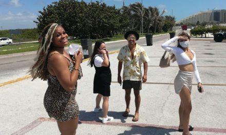 Pasean más de 25 mil turistas en Caribe Mexicano en tiempos de pandemia
