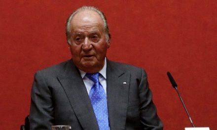 """Aseguran que rey Juan Carlos I debe tener """"cientos de cuentas"""" fuera"""