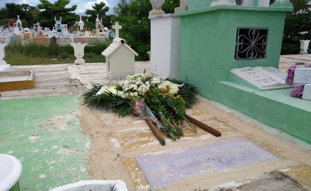 Sin homenajes ni despedida masiva, Tony Camargo fue inhumado en Xoclán