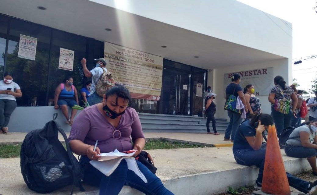 Quedan fuera del programa de mejoramiento de vivienda y protestan