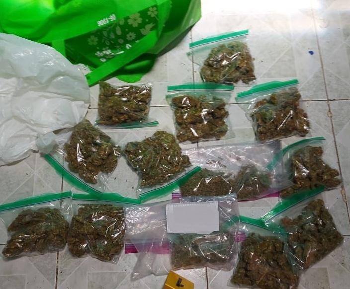 Despliegan fuerza: aseguran poco más 1 kilo de marihuana