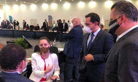 Ante Conago plantea Vila Dosal desafíos para combatir pandemia