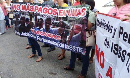 """'Descuida' ISSSTE salud de jubilados y pensionados; """"Parada Política"""""""