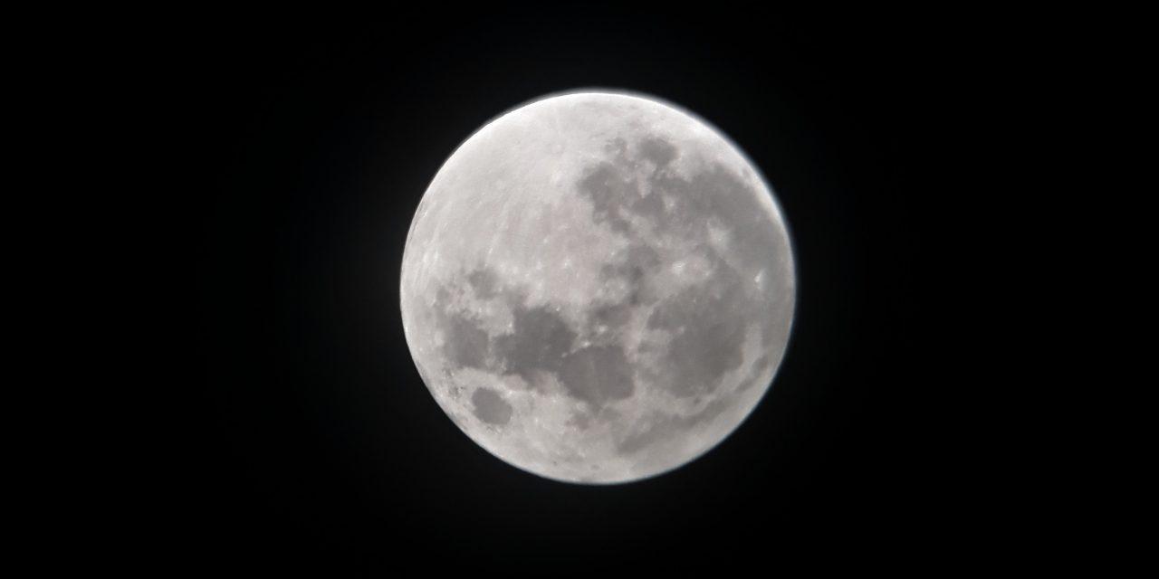 """El 2020 ya venía con sello de """"diferente"""" en su """"empaque"""": tiene 13 lunas y esta noche es la 9a"""