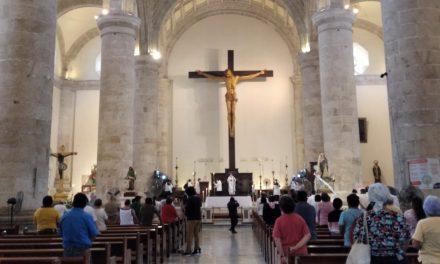 Reabren templos de Yucatán con mensaje en memoria de víctimas de Covid-19 (Video)