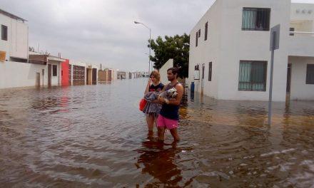 Aún batallan en viviendas anegadas del fraccionamiento Las Américas