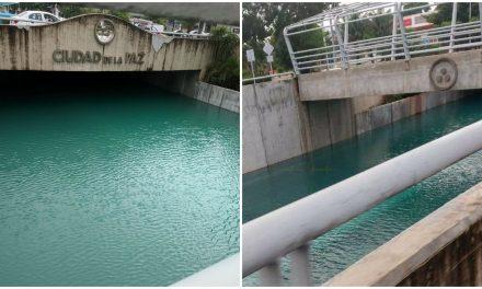 """Inundación de casi 5 metros de altura en """"Glorieta de la Paz"""" o Paso Deprimido"""