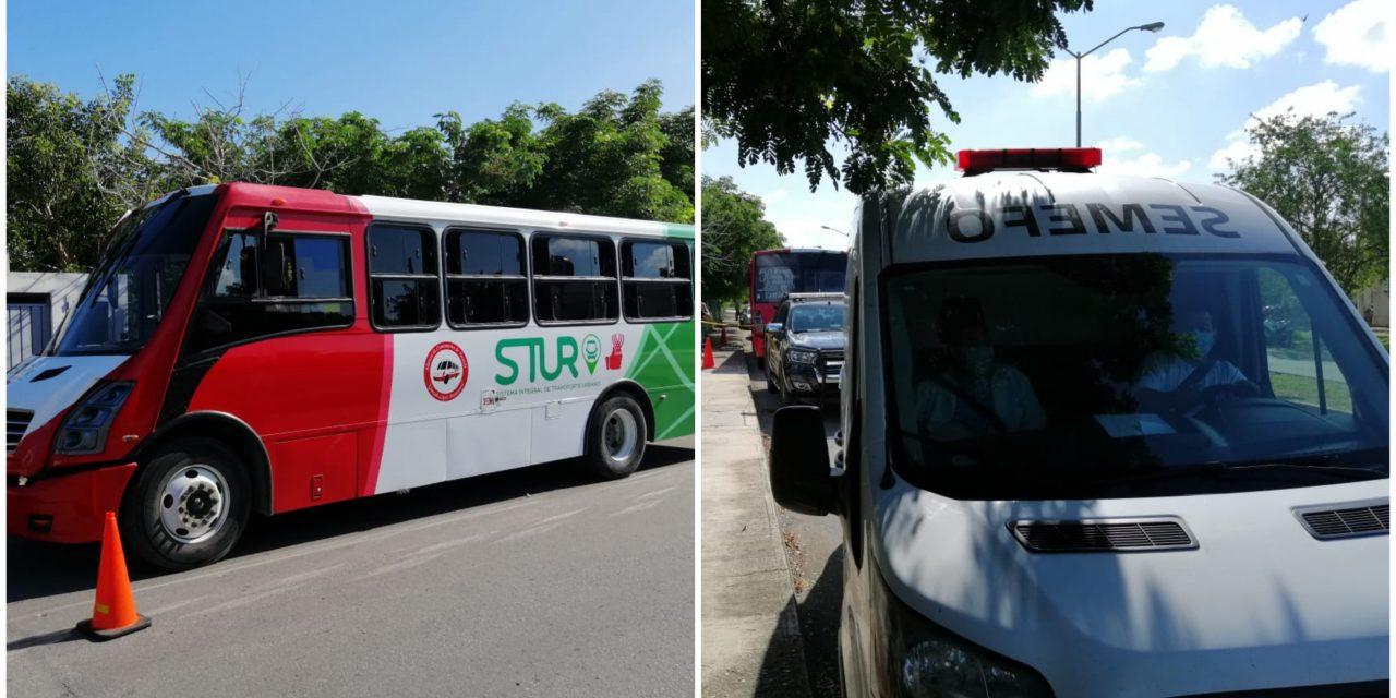 Abuelito muere dentro de autobús en Mérida; con el cubrebocas puesto