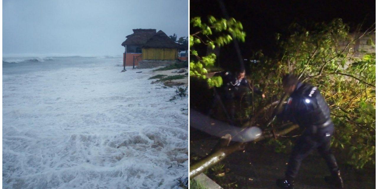 "Tocó tierra huracán ""Zeta"" en Chemuyil, Quintana Roo; podría debilitarse"
