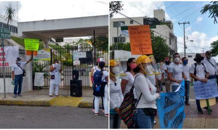 Protestan docentes de educación física y les responde la SEGEY