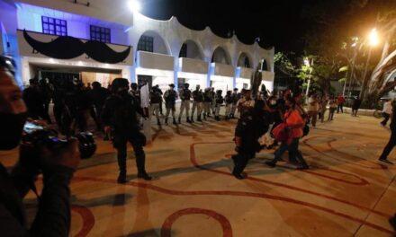 Tensa represión en Cancún relación entre autoridades en Quintana Roo