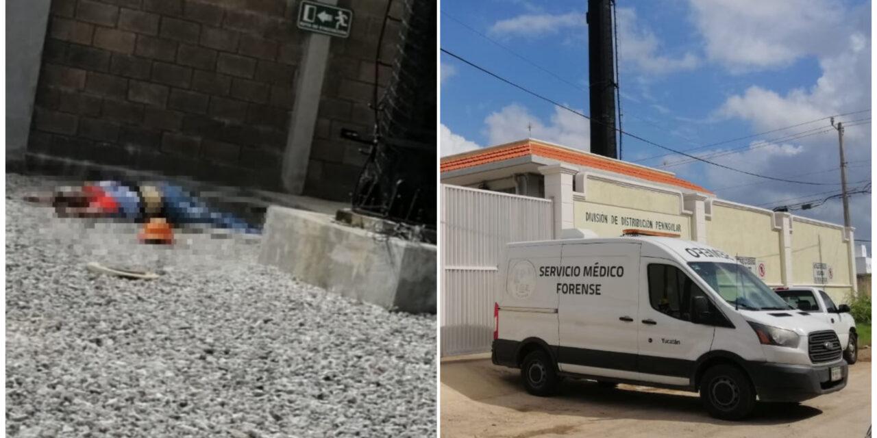 Cae de torre de 12 metros altura en edificio de CFE Mérida y muere