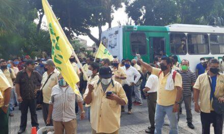 Desesperados por bajos ingresos y limitada movilidad en Mérida