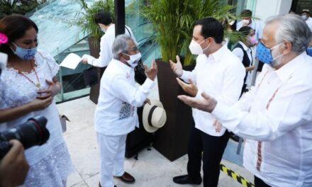 Armando Manzanero, puso en alto a Yucatán y lo dio a conocer en todo el mundo
