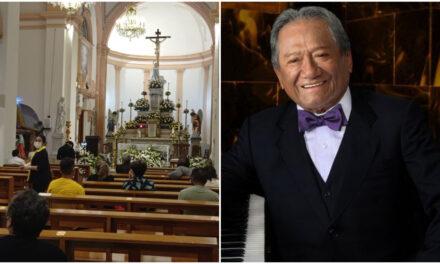 Despiden a Armando Manzanero en ceremonia religiosa, sin sus familiares