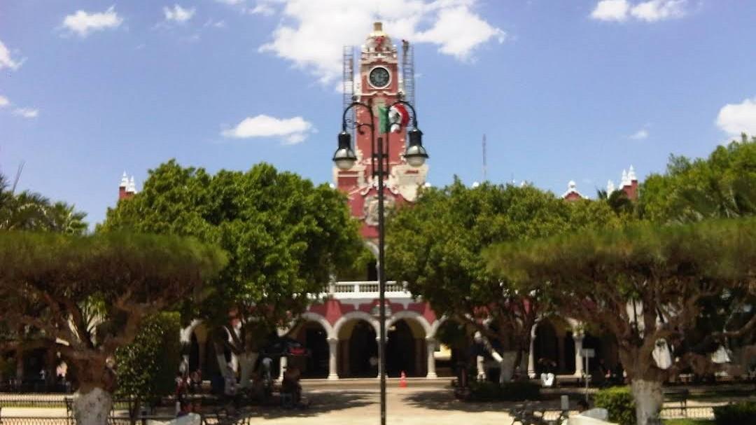 Mayores estímulos a contribuyentes en Mérida y bajan sueldos a funcionarios