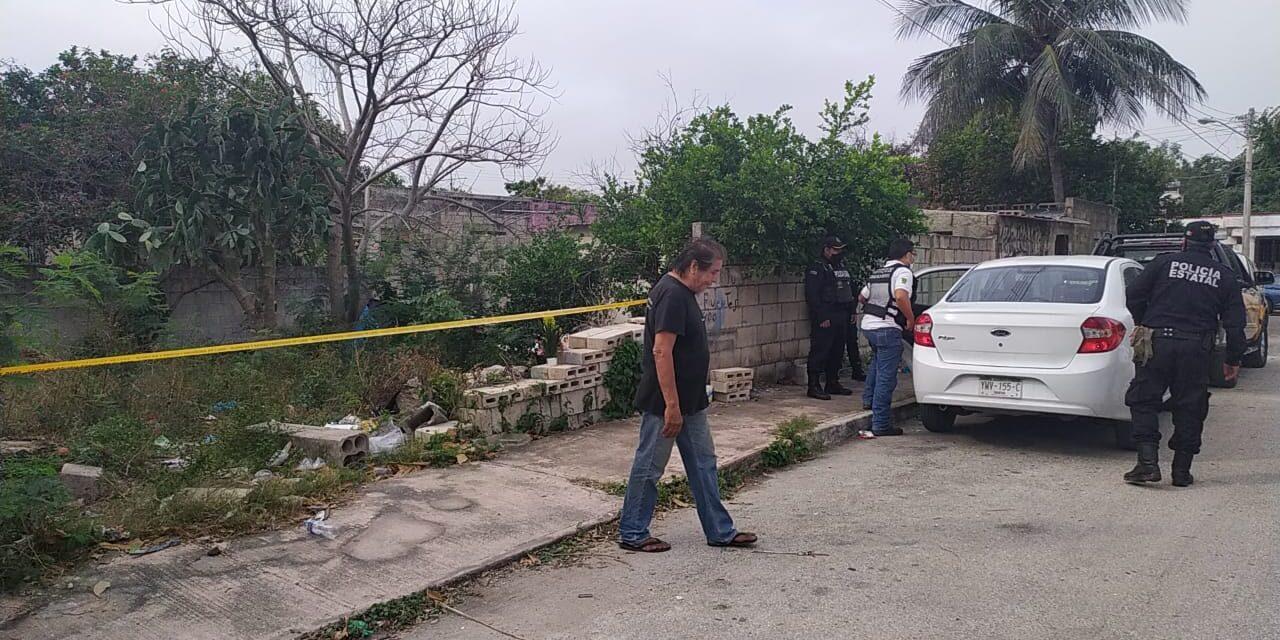 Encuentran colgado a un hombre en predio aledaño a su casa