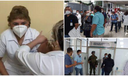 María Andrea Ventura Cauich, del Hospital O'Horán, primera vacunada
