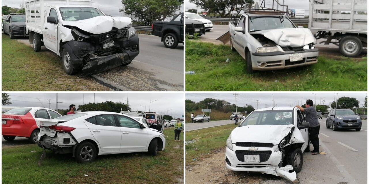 Otra carambola en periférico de Mérida en día lluvioso, ahora 6 autos
