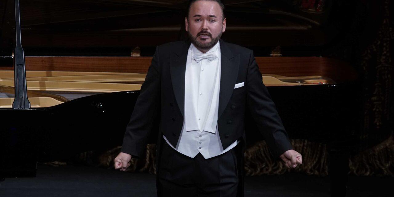 Retoma actividad tenor mexicano Javier Camarena y actuará en Teatro Real