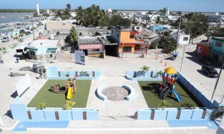 Renovada imagen del malecón de Río Lagartos, con miras al turismo