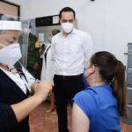Vacunas en fase experimental, 'ligera esperanza' para estados