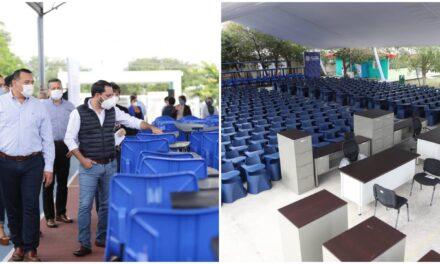 Con nuevo mobiliario 22 escuelas públicas de Mérida