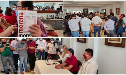 """Militantes en rebeldía contra """"imposiciones"""" de Morena en Yucatán"""