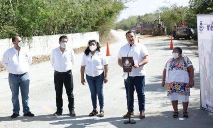 En reconstrucción carretera Xcunyá con entronque a puerto Progreso