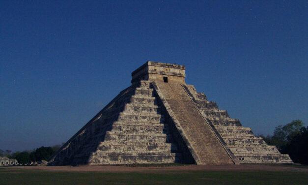 'Ya ni siquiera alzamos la vista al cielo': presentan primer calendario arqueoastronómico de Yucatán