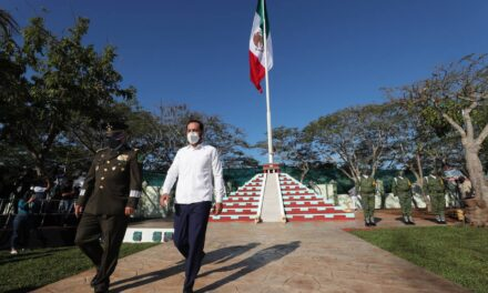 Prioridad vacunar a todos los yucatecos lo más pronto posible.- Vila Dosal